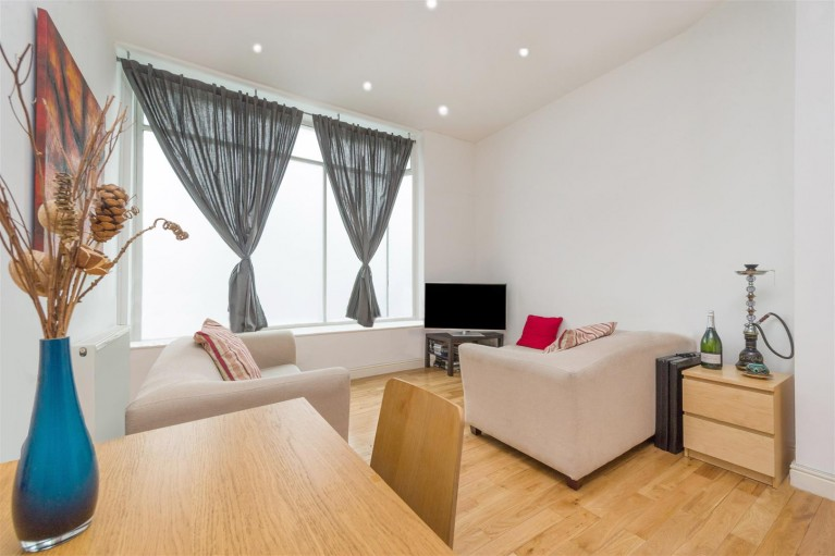 Click the photo for more details of Kingsgate Road, West Hampstead