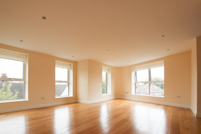 Click the photo for more details of Ravenscroft Avenue, Golders Green