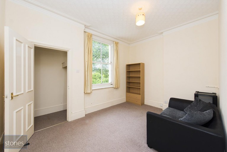 Click the photo for more details of Broadhurst Gardens, South Hampstead
