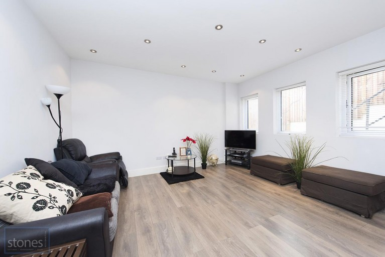Click the photo for more details of Holden Road, Woodside Park