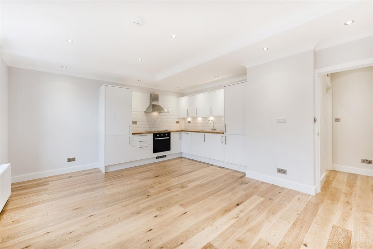 Click the photo for more details of High Road, Willesden Green