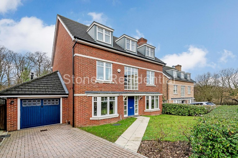 Click the photo for more details of Padelford Lane,