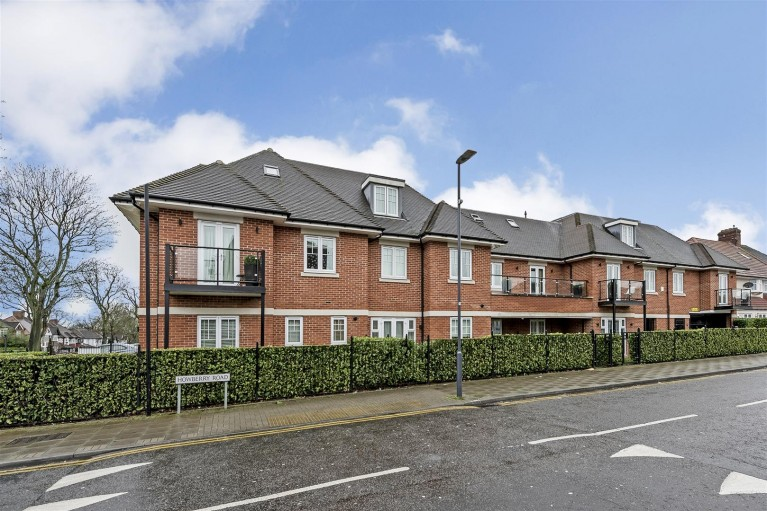 Click the photo for more details of Marylake Court, 293 Whitchurch Lane,