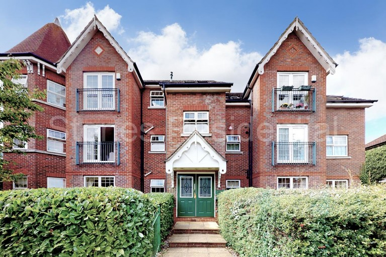 Click the photo for more details of Fernhurst Gardens,