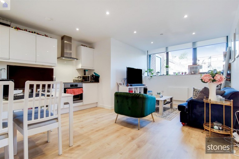Click the photo for more details of 8 Stanmore Hill,